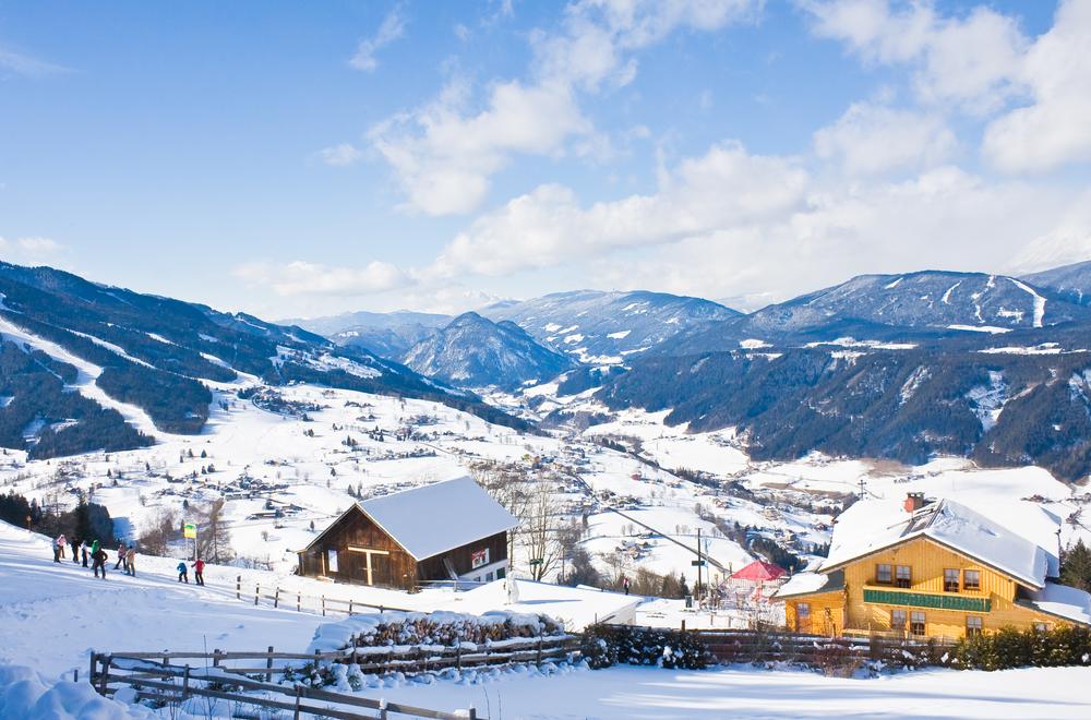 Ski fahren und andere Winteraktivitäten